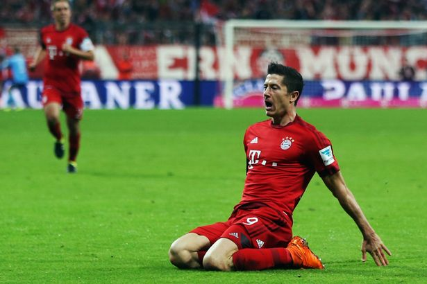 Robert-Lewandowski-scores-five