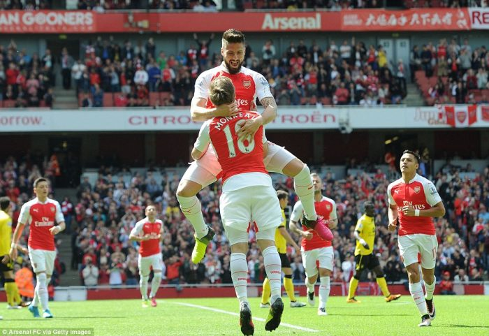 34339A4700000578-0-Olivier_Giroud_leaps_into_the_air_to_embrace_Nacho_Monreal_after-m-69_1463326077776